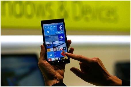Смартфон с Windows 10